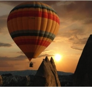 Hot air baloon over Cappadocia valies